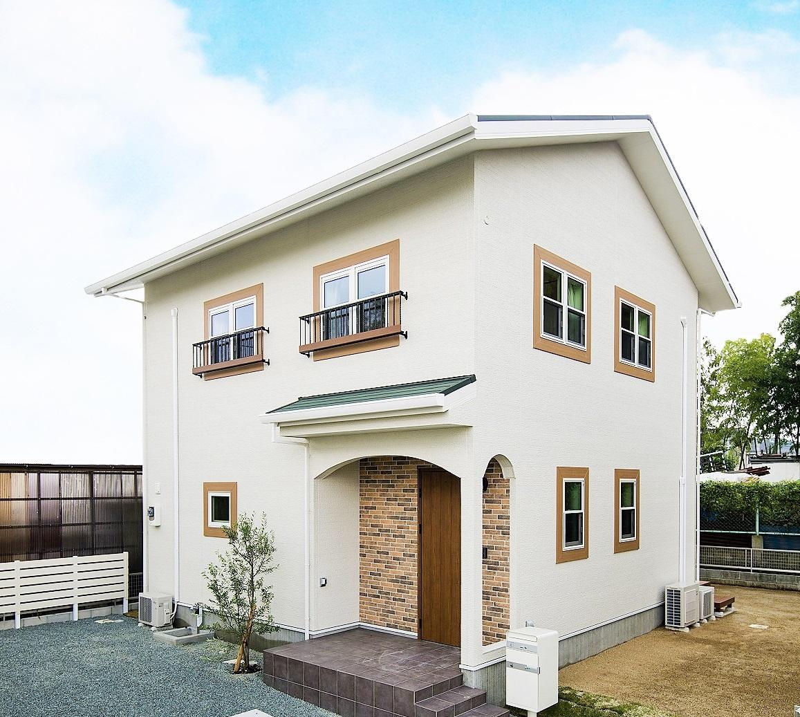 【東区 長嶺小中校区】プロヴァンス風の大人かわいい家、見学会